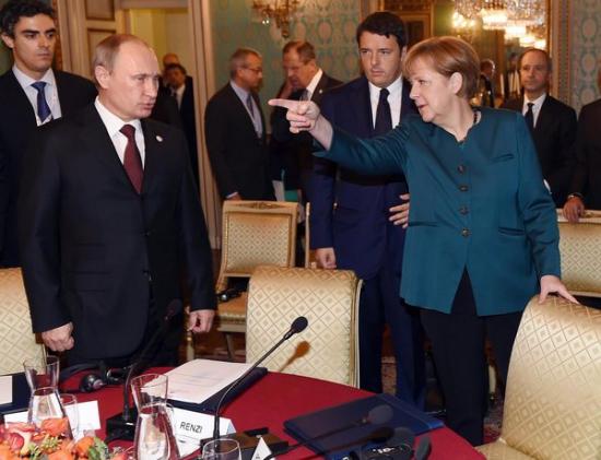 В Брюсселе принимается решение о дальнейших антироссийских санкциях.