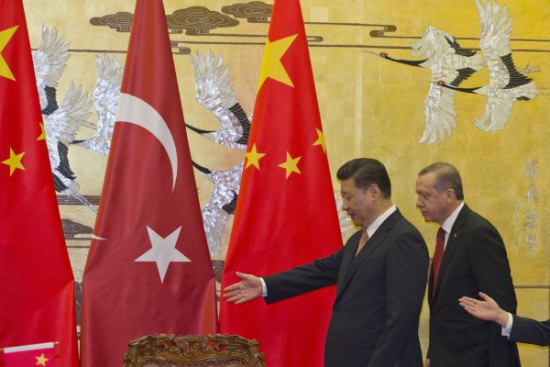 Против доллара: Турция и Китай хотят перевести торговлю на юань и лиру.