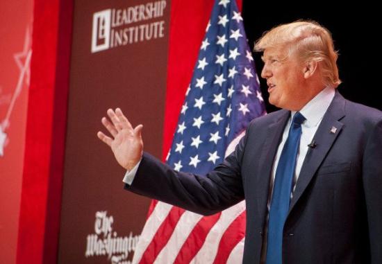 """Дональд Трамп: США могут стать """"Грецией на стероидах"""""""