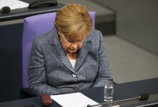 Безумие спасения Греции: Бундестаг утверждает масштабное уничтожение денег.