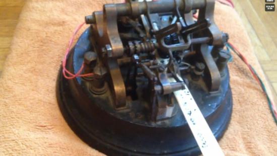 Подключение старинного телеграфного аппарата к ноутбуку