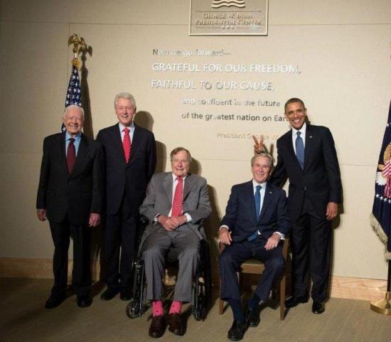 Фото дня: все живые американские президенты вместе