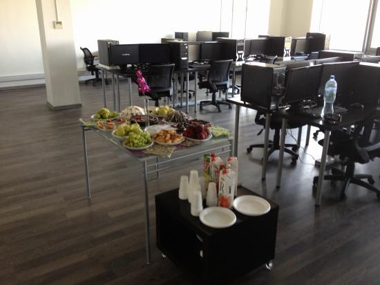 XELIUS GROUP Inc. с удовольствием приглашает в новый дилинговый зал компании.