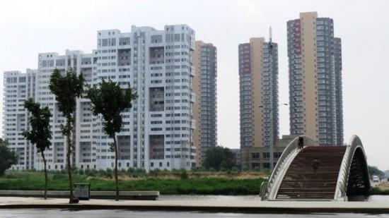 Города-призраки Китая и пустынные в них улицы. Фото.