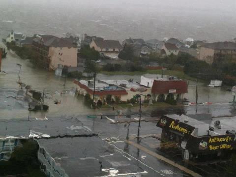 """Ураган """"Сэнди"""" в США: по улицам плавают акулы"""