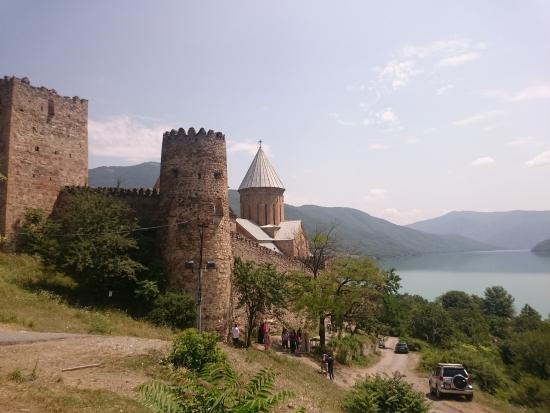 Грузия 20 лет спустя. Крым два года спустя.