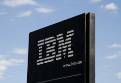 IBM (IBM) в очередной раз сократила выручку и чистую прибыль