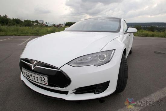 Tesla-мобиль. Один из трёх в России