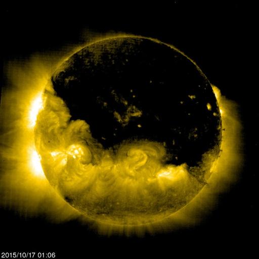 Солнце сбрасывает оболочку! О чем молчат астрономы.