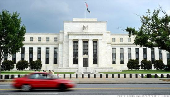 ФРС расширяет помощь иностранным банкам.