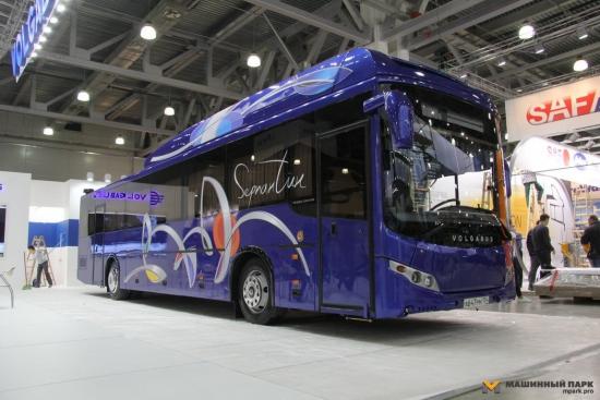 Новый автобус, автопром немного радует.