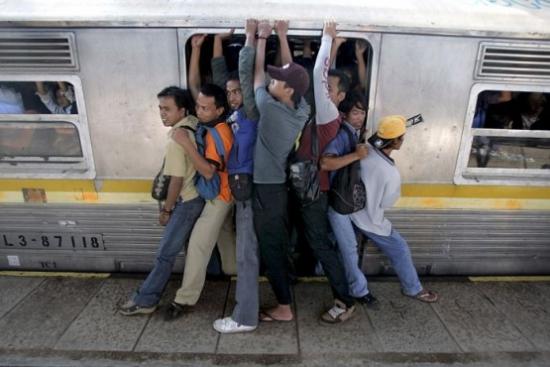 Еще есть время сесть в поезд.