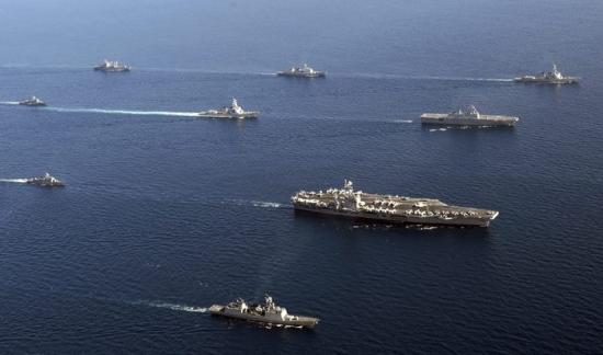 Авианосец США появился в Южно-Китайском море около спорных территорий