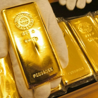 Мировые центробанки устроили распродажу золота