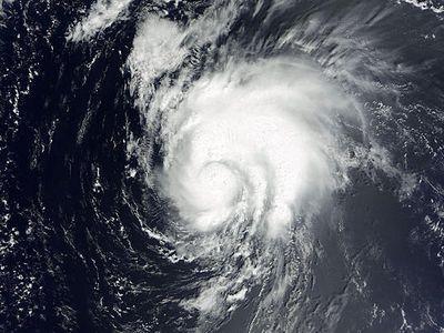 Тропический шторм «Исаак» обрушил котировки нефти