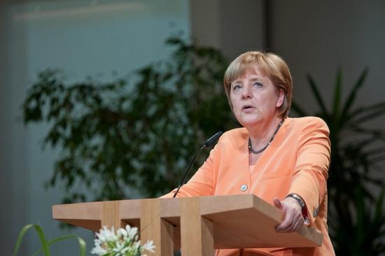 Германия и Франция объединились в попытке сделать интернет-трафик недосягаемым для США