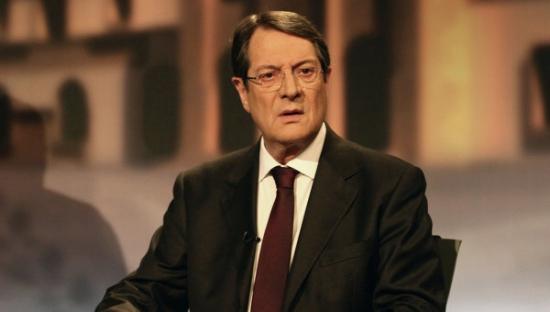 Родные президента Кипра перевели из банка Laiki миллионы евро