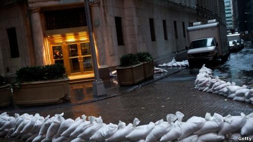 Урагана в США нет. Уоллстрит проводит учебный Армагеддон.