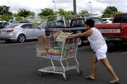 США: потребители все туже затягивают пояса