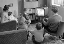 Pew Research: Средний класс пережил худшую декаду за всю современную историю США