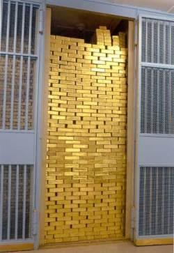 Трейдеры – 12-летнее ралли по золоту не кончилось. Прогнозы Goldman Sachs под большим вопросом