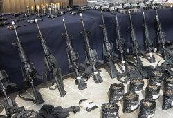 Трагедии со стрельбой в школах привели к распродажам бумаг производителей огнестрельного оружия