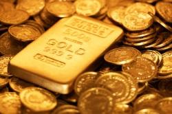 Хедж-фонды ставят на рост золота