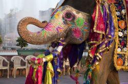 Индия использует золото в помощь рупии