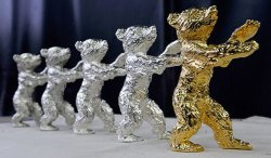 Золото просело до 2-месячного минимума