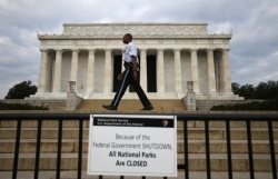 Правительство США закрыто, но как бы не совсем...