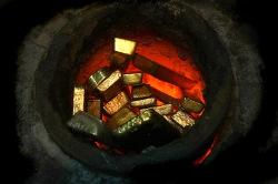 Золото и серебро просели до 4-недельных минимумов