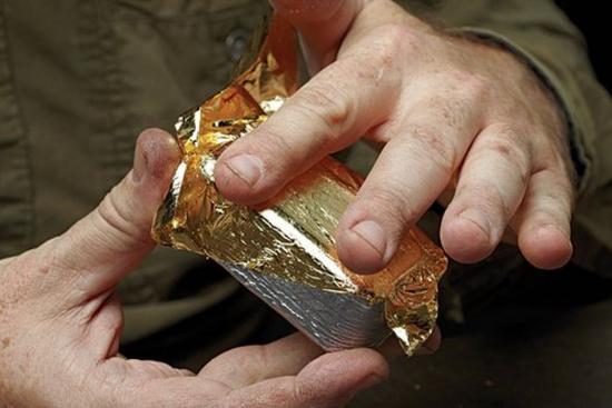 Как делают фальшивые золотые слитки