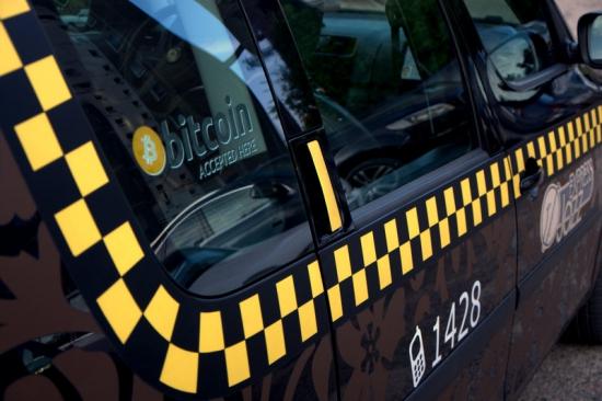 Bitcoin в Литве: такси JazzExpress в Вильнюсе принимает крипто-платежи в Биткоинах