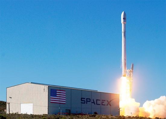 Компания SpaceX, Илон Маск и ракета Falcon 9 – конец эпохи государственной космонавтики.