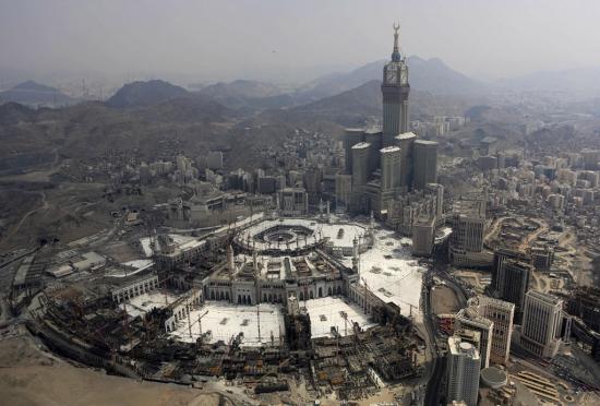 На главную мечеть Мекки упал кран