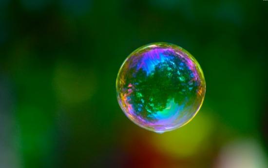 Мыльный пузырь надули)