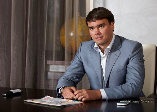Максим Владимирович Долгополов — бизнесмен, предприниматель и совладелец ряда компаний Петербурга. Председатель Совета директоров «Западно-Европейского Финансового союза».