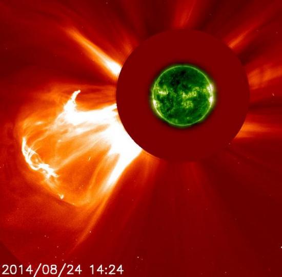 Гиганская солнечная вспышка.