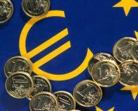 Евро вырос, но перспективы его остаются туманными.