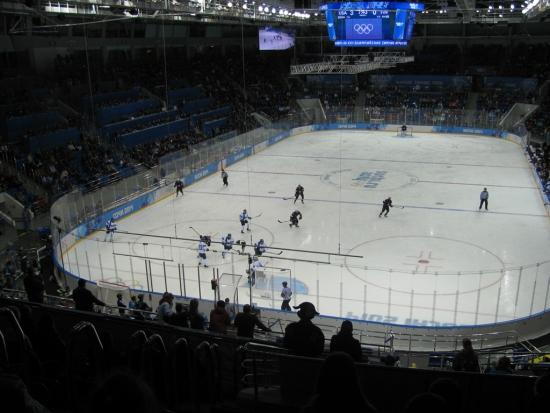 Ледовый дворец Шайба, женский хоккей с шайбой США-Финляндия 3:1