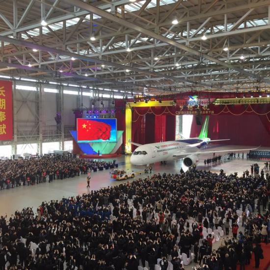 Китай представил свой самолёт.....через 2 дня после катастрофы A321
