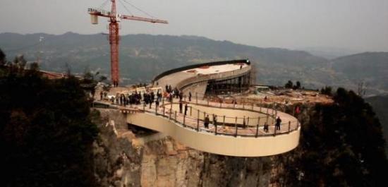 Китай строит мост в никуда за $6 млн