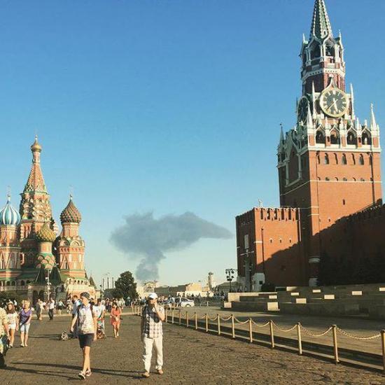 Обама бомбит Москву!