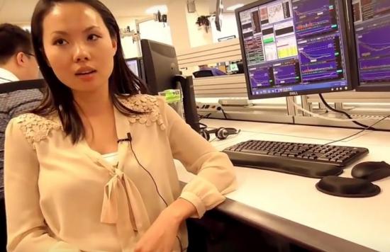 Девушка-трейдер на фондовой бирже