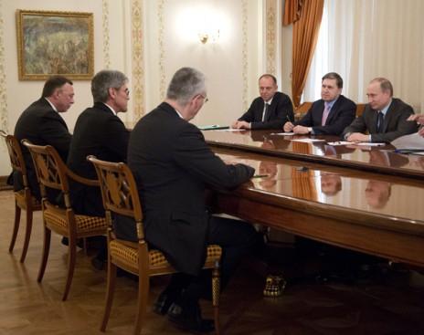 Меркель отругала главу Siemens за встречу с Путиным