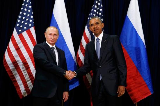 Рубль. Президент Путин. Президент Обама.