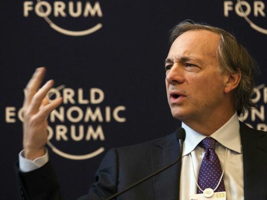 Самый известный хедж-фонд Рэя Далио снова на гребне волны