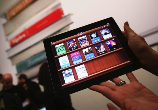 Apple выходит на тропу войны с Amazon