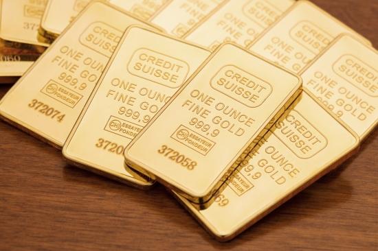 Обзор рынка: Инвесторы в Европе изучают отчеты компаний, сырьевые валюты и золото дешевеют, акции Credit Suisse выросли после отчета о прибыли