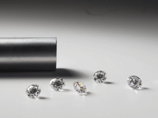 Алмазы 9 карат научились выращивать за 2 недели по качеству как настоящие. Соответственно добытчики алмазов ....